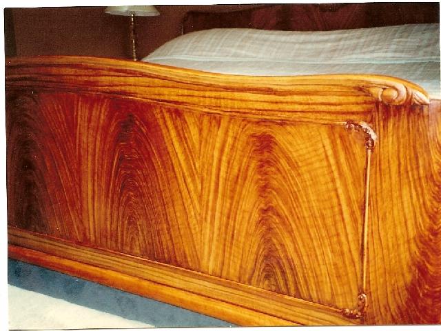 Graining Mahogany bed